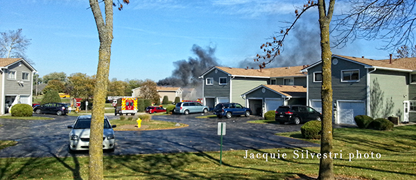 3 firefighters injured at 2-alarm fire in Gurnee IL 10-27-13