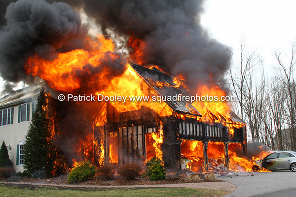 Glastonbury CT firefighters battle huge house fire