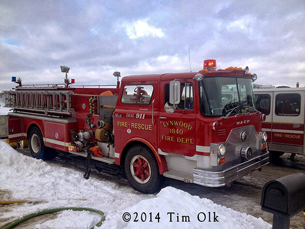 Mack CF fire engine