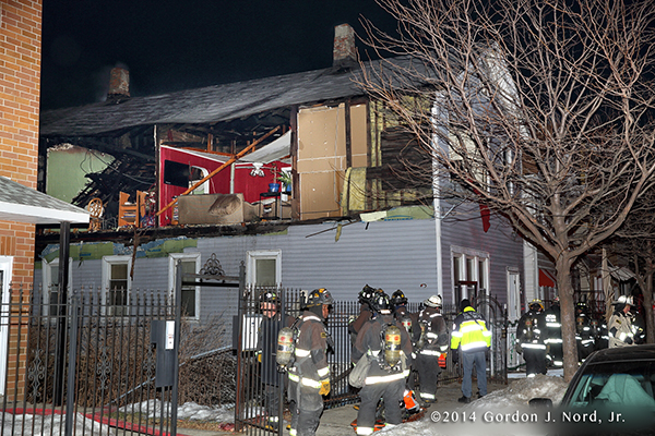 gas explosion destroys Chicago home