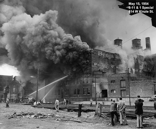 historic 1954 fire scene photo from Chicago