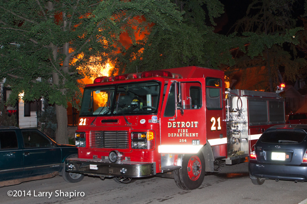 Detroit American LaFrance fire engine at dwelling fire