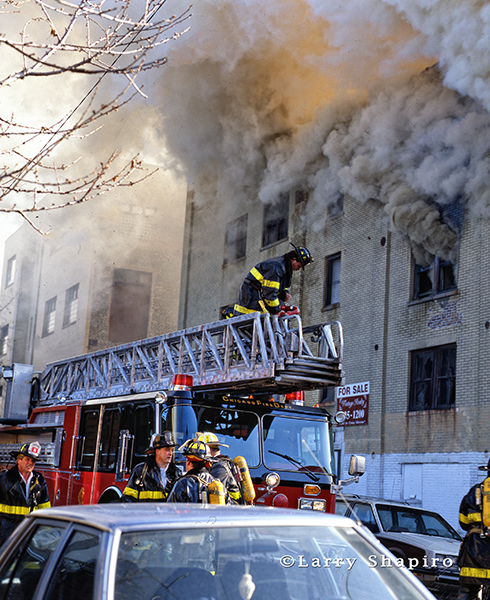 Chicago firefighters at huge smokey fire