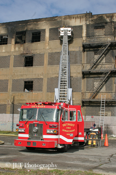 Sutphen tower ladder in Detroit