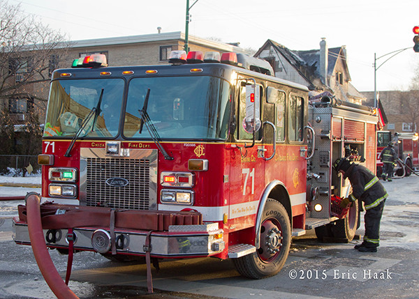 Chicago FD Engine 71 at a fire scene