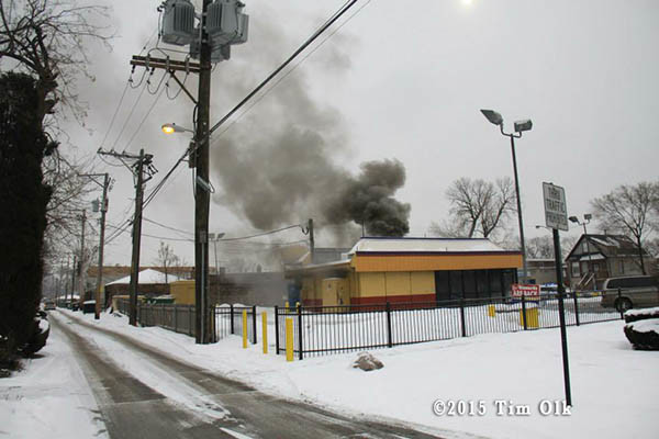 fast food restaurant burns in Chicago