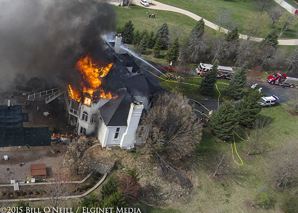 drone fottag of massive house fire