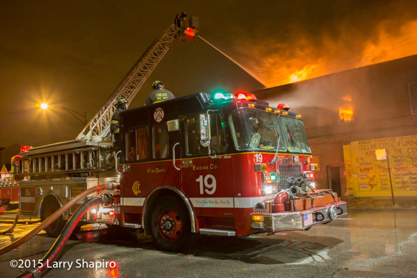 Chicago FD Engine 19 at fire scene