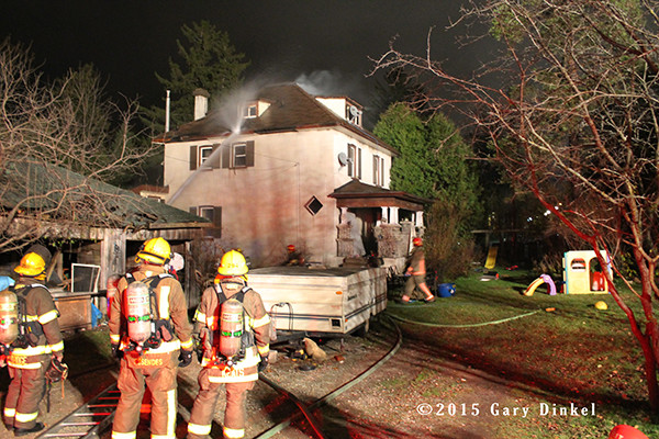 night house fire photo