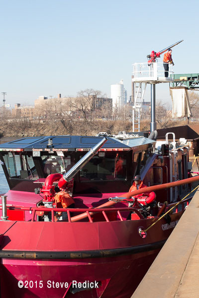 Chicago FD fire boat