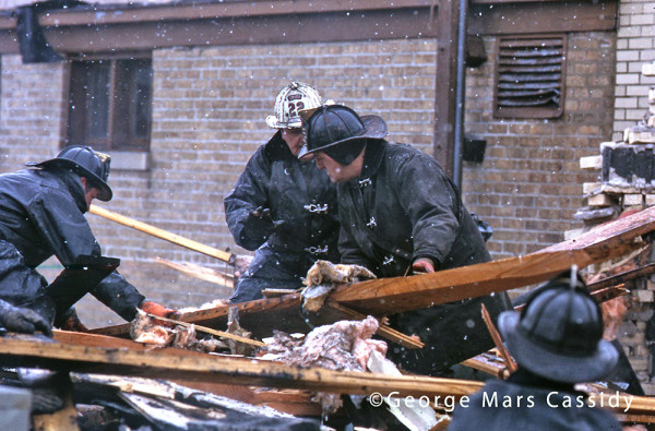 2-13-71 fire scene in Chicago - line of duty deaths of Lieutenant William Quinn and Firefighter Martin Dyer