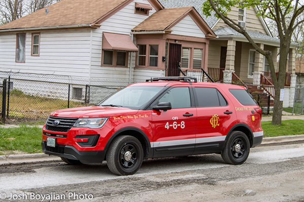 Chicago FD OFI Car 4-6-8 without black top