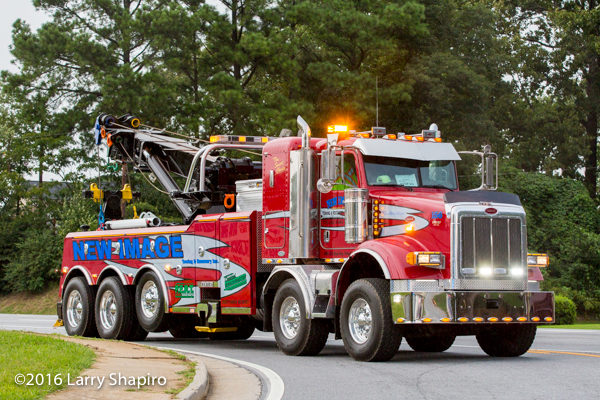Image Towing 5-axle Century wrecker