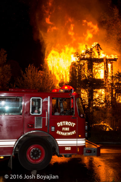 Detroit FD ladder working at night