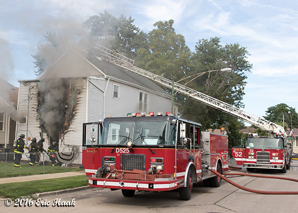 Chicago FD spare engine at fire scene
