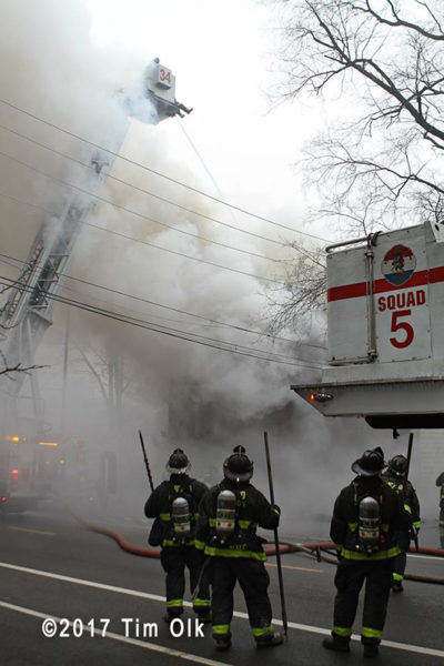 Chicago firefighters ballte smokey fire