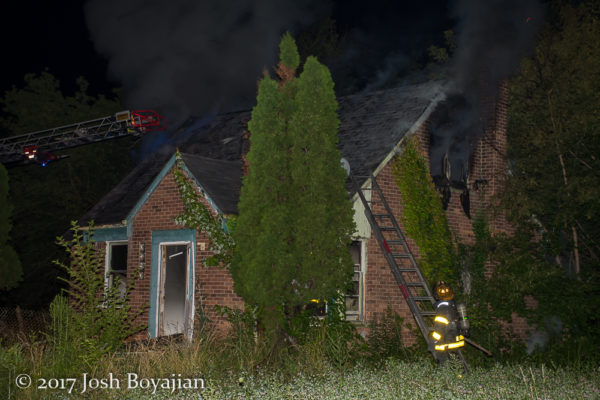 vacant house on fire in Detroit