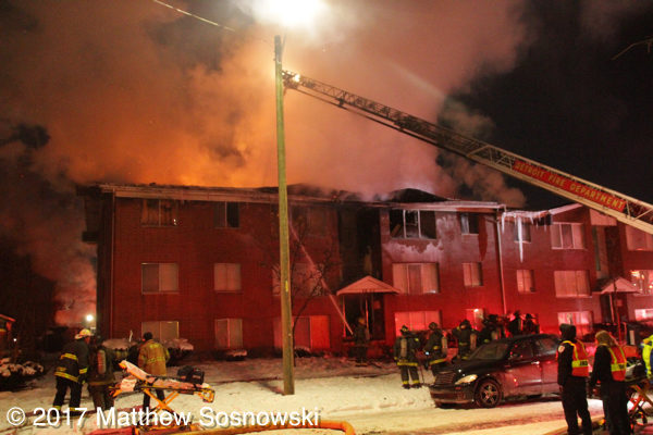 apartment building fire in Detroit