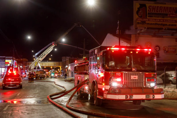 Chicago FD Engine 113 at fire scene