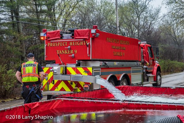 Prospect Heights FPD Tanker 9 dumping water