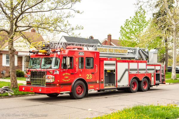 Detroit FD Ladder 23