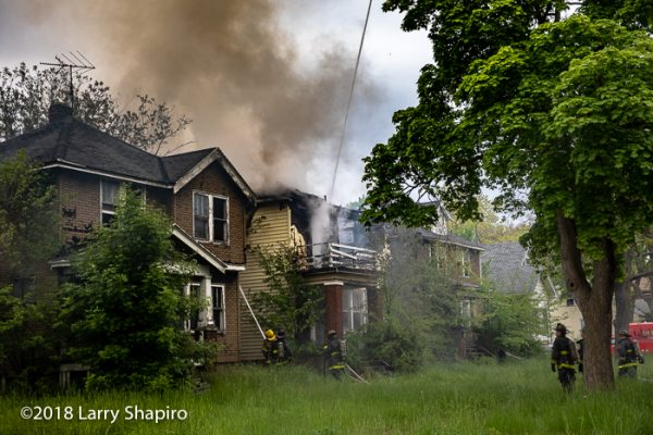 Firefighters battle vacant dwelling fire in Detroit