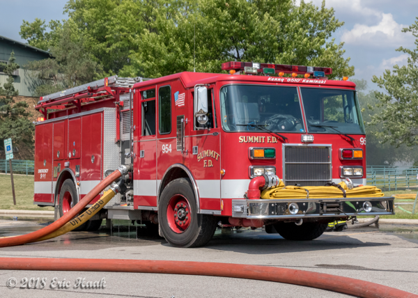 Summit FD Engine 954 at a fire