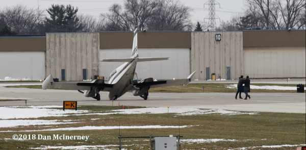 1967 Cessna 310N with unlocked front landing gear  lands at Chicago Executive Airport