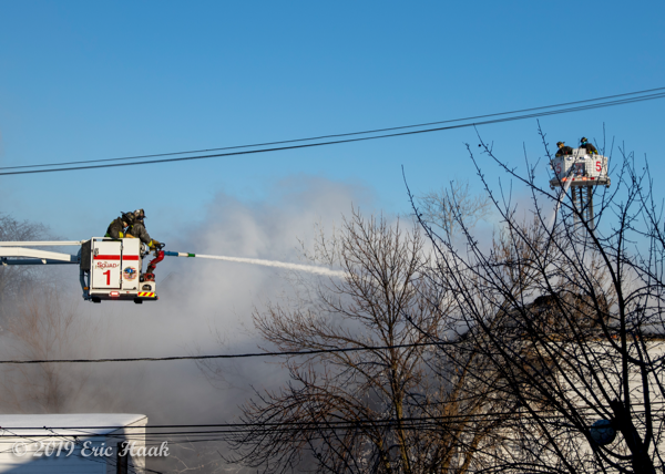 Chicago FD Squad 1A and Tower Ladder 5 working master streams
