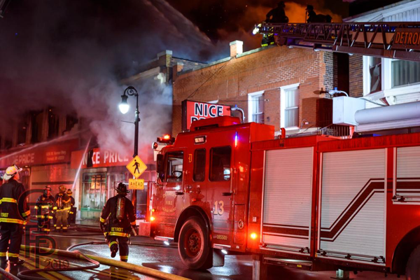 Detroit FD Ladder 13 working at a fire