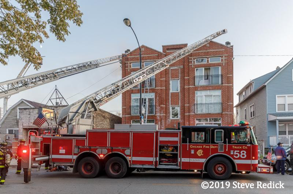 Piece ladder truck in Chicago