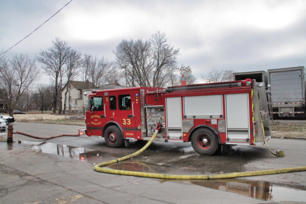 Spartan Smeal fire engine at work in Detroit