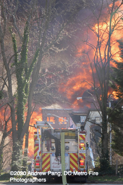 multiple buildings destroyed in Fairfax County fire