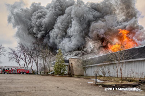 the vacant Chapel Hill Golf Club in McHenry, IL burned down by the fire department after using it for training